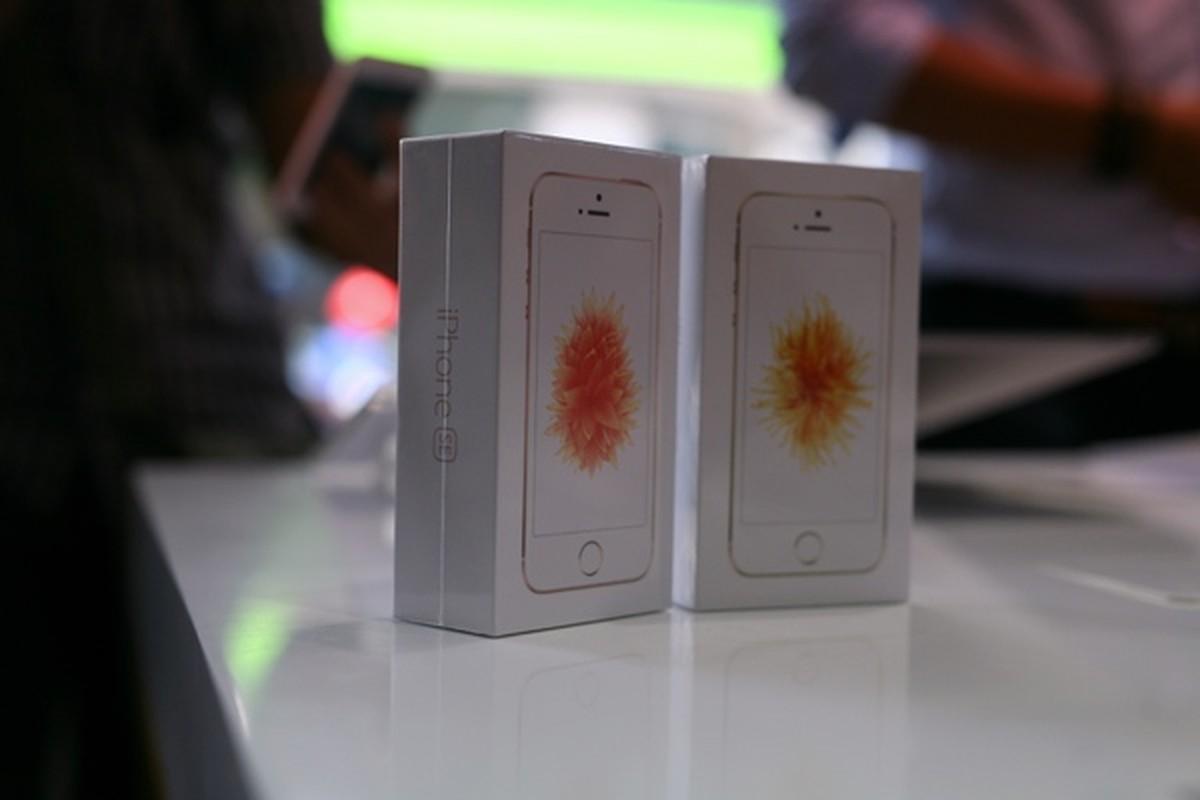 Mo hop dien thoai iPhone SE chinh hang tai Viet Nam-Hinh-2