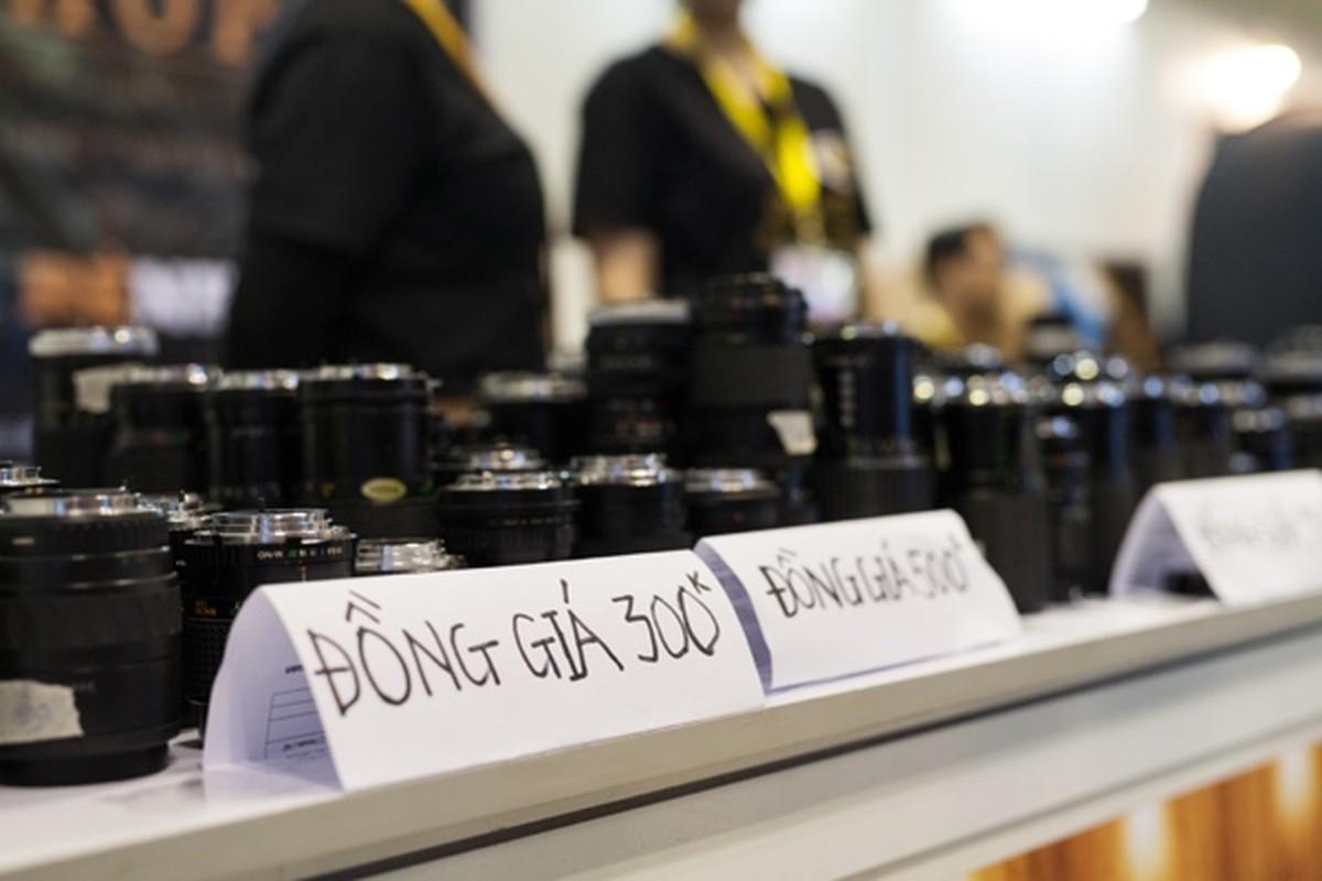 Ong kinh may anh gia 500.000 dong hut khach o Sai Gon-Hinh-3