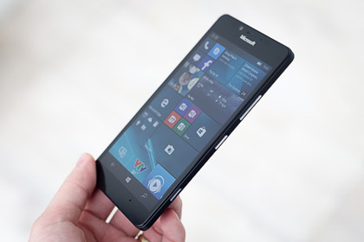 9 smartphone chup hinh dep duoi 10 trieu dong-Hinh-7