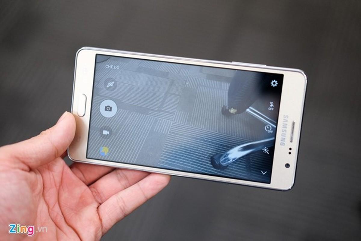 Tren tay dien thoai Samsung Galaxy On7 vua len ke-Hinh-10