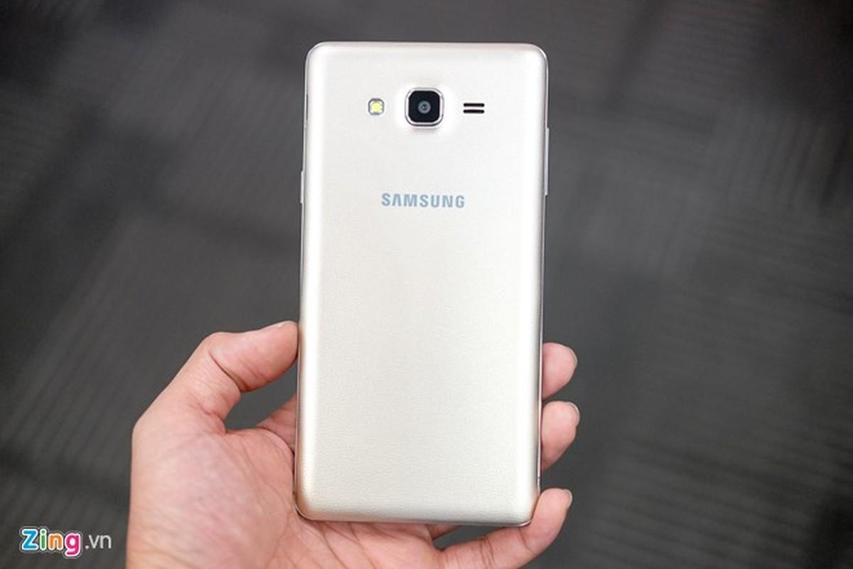 Tren tay dien thoai Samsung Galaxy On7 vua len ke-Hinh-5
