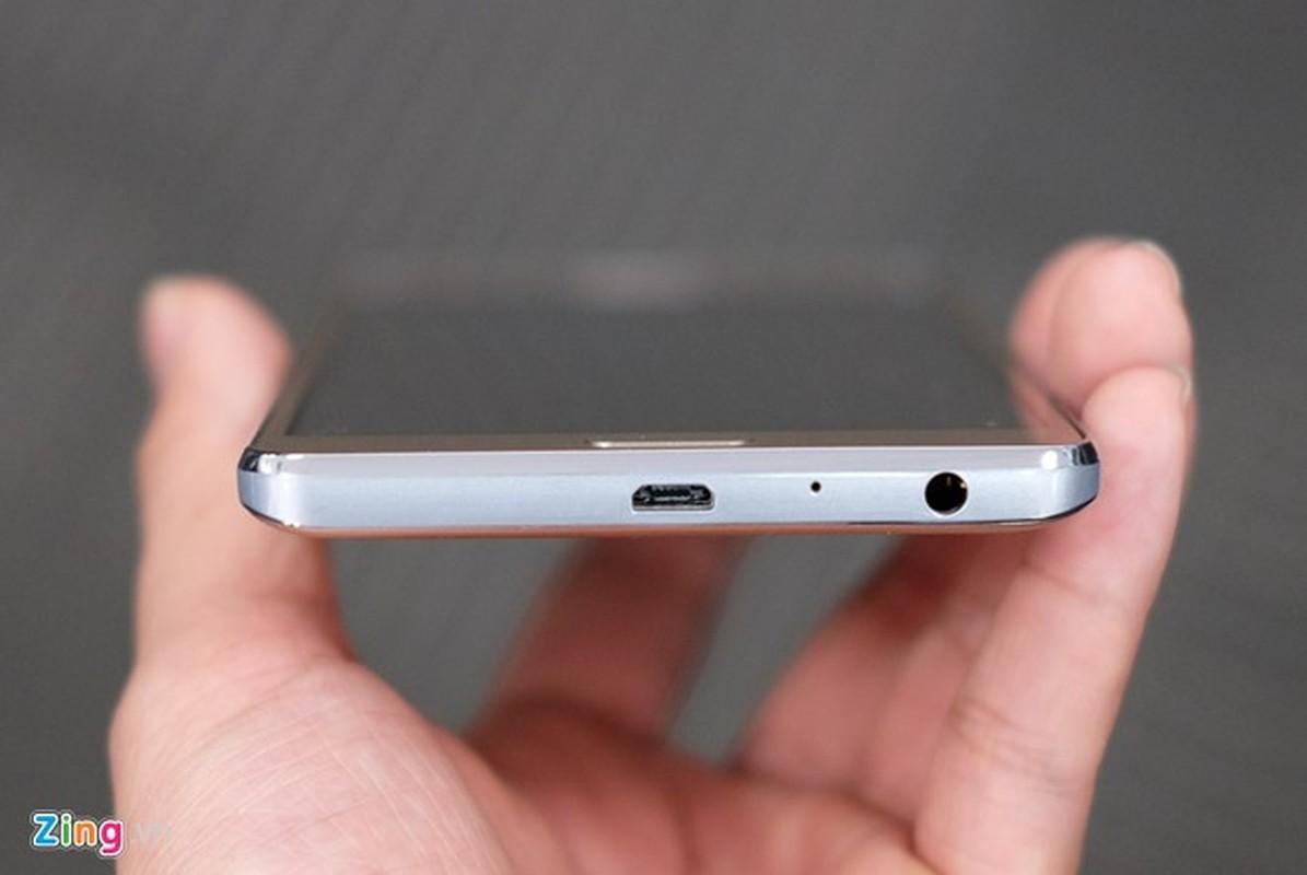 Tren tay dien thoai Samsung Galaxy On7 vua len ke-Hinh-8