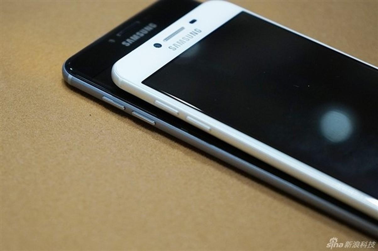 Anh thuc te 2 dien thoai sieu mau Samsung Galaxy C5, C7-Hinh-10