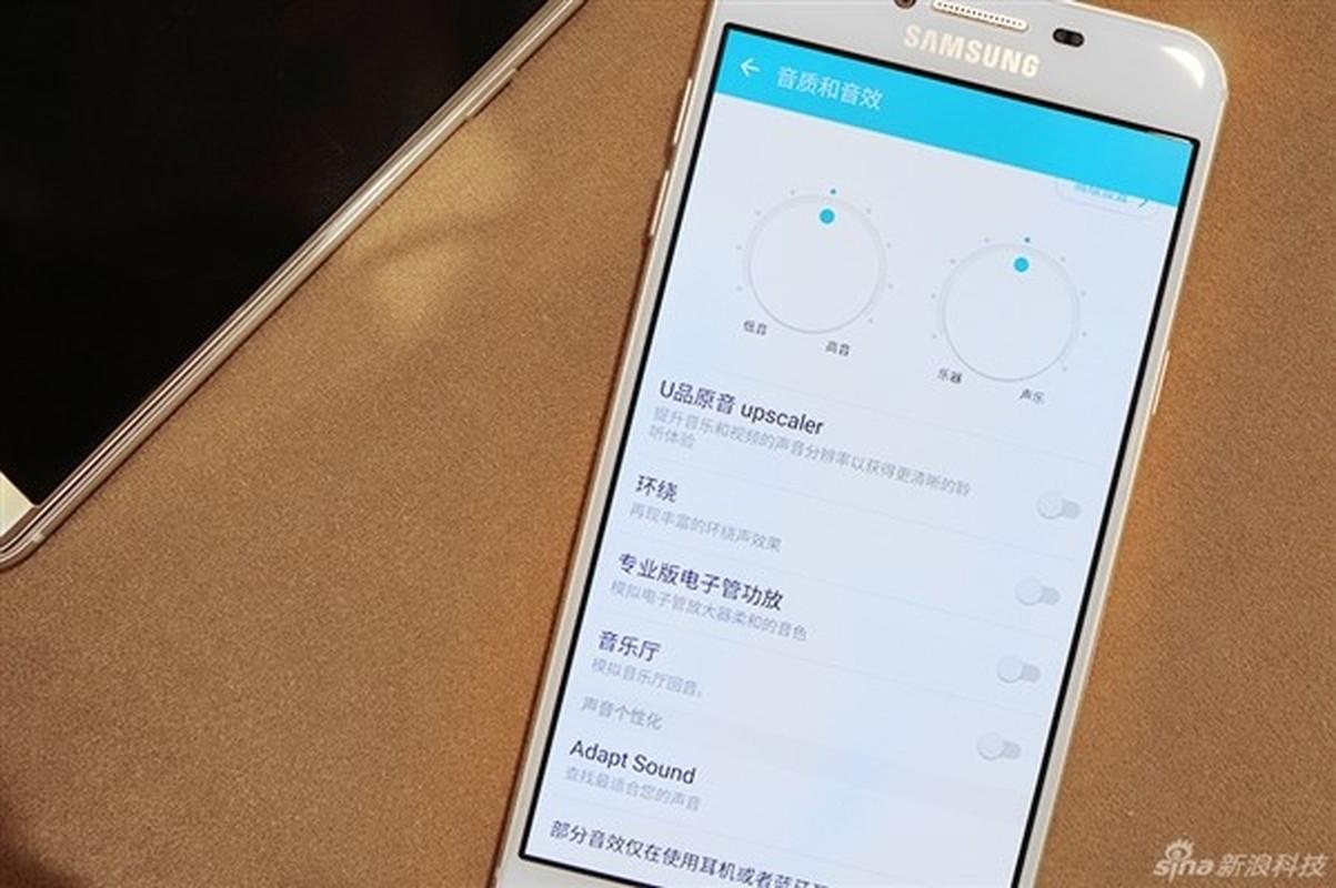 Anh thuc te 2 dien thoai sieu mau Samsung Galaxy C5, C7-Hinh-6