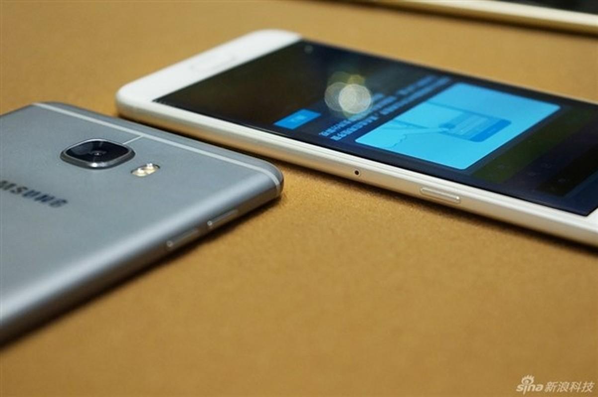Anh thuc te 2 dien thoai sieu mau Samsung Galaxy C5, C7-Hinh-9
