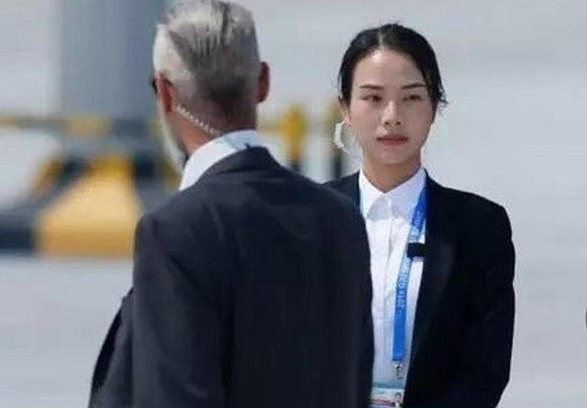 Chan dung nu quan nhan xinh dep tai Hoi nghi thuong dinh G20