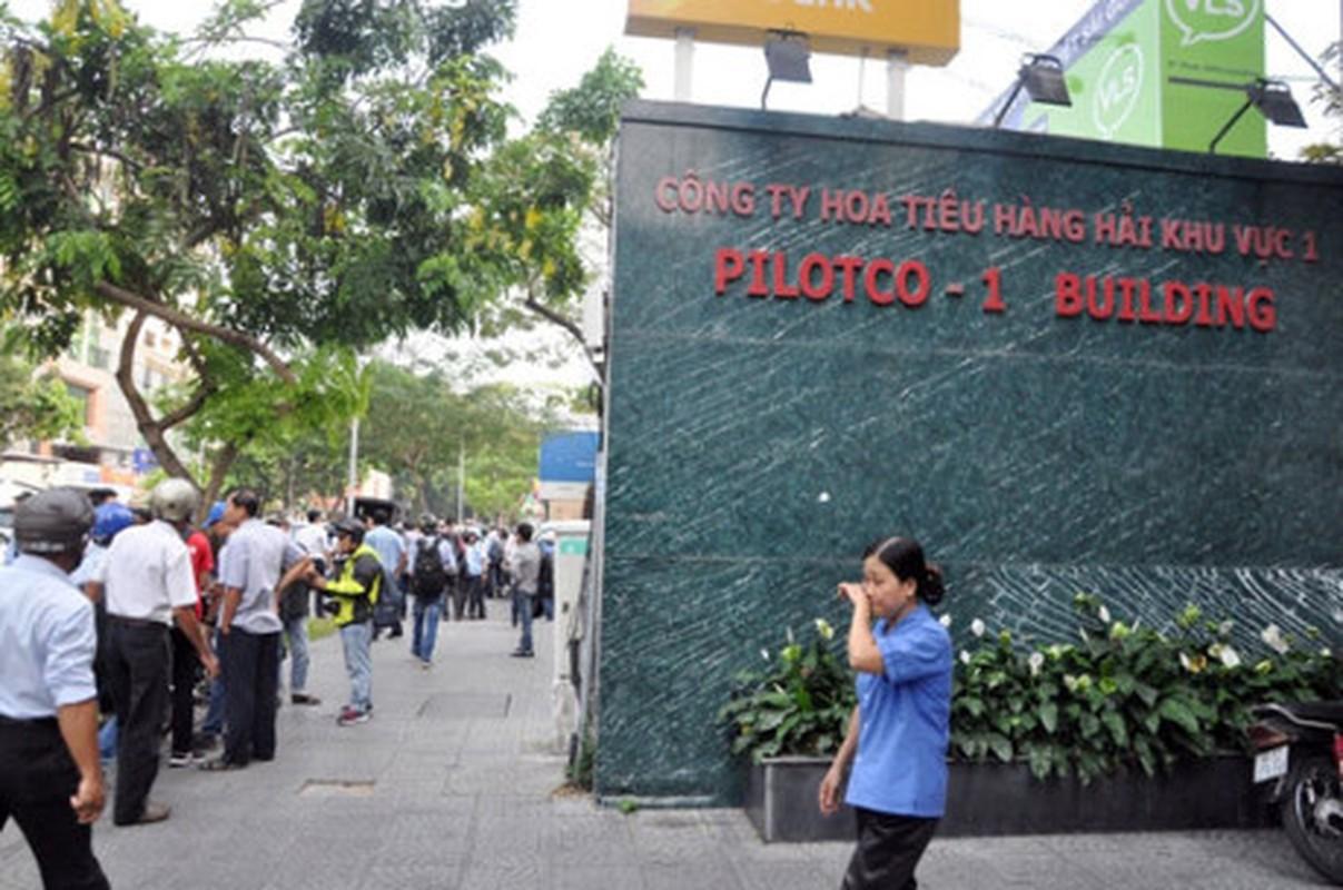 Ong Doan Ngoc Hai chi dao pha tuong gan toa nha Bo Cong thuong-Hinh-9
