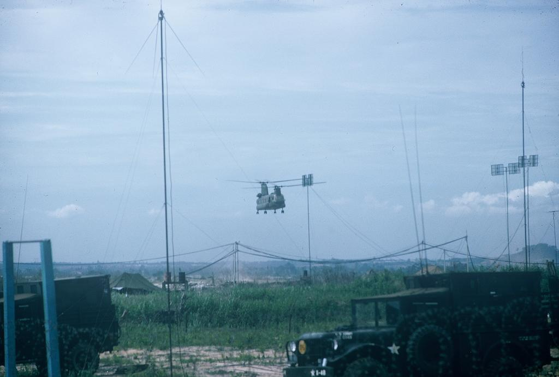 San bay Tan Son Nhat truoc 1975 qua anh cua linh My-Hinh-10
