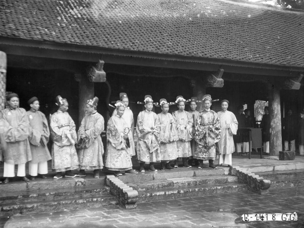 Dien mao Van Mieu - Quoc Tu Giam thap nien 1920-Hinh-10