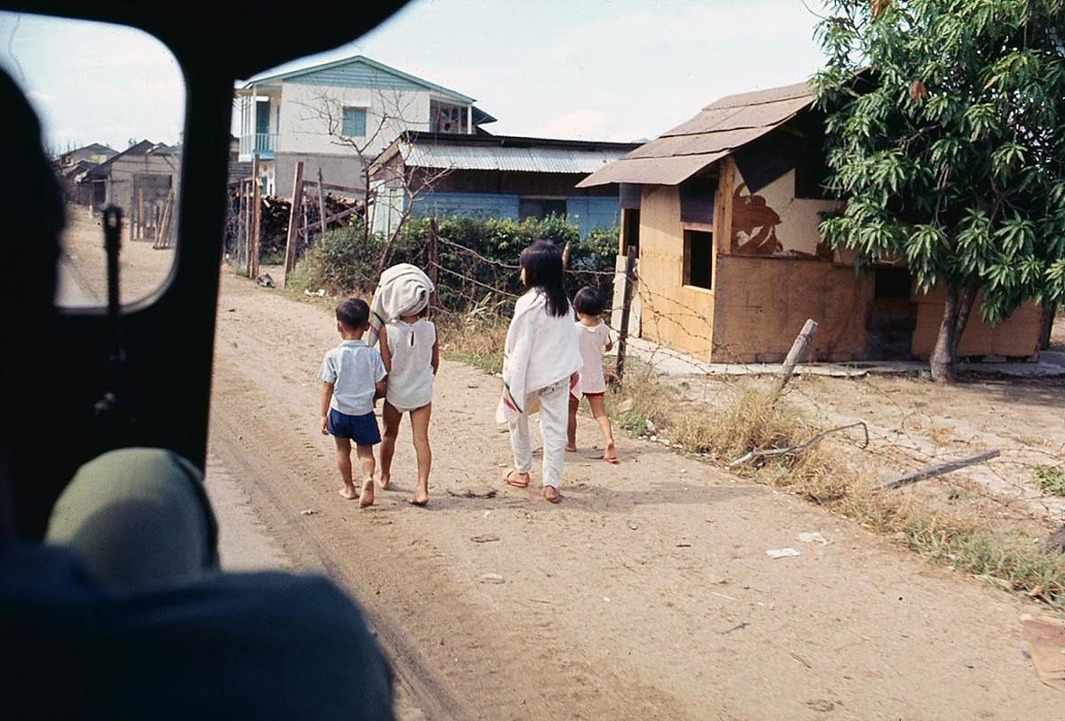 Hinh anh sinh dong cua Binh Dinh nam 1969-1970-Hinh-11