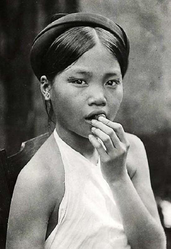 Hinh doc ve nguoi dep rang den Viet Nam mot the ky truoc-Hinh-5