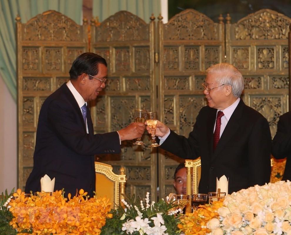 Tong Bi thu, Chu tich nuoc du Quoc yen cua Quoc vuong Campuchia-Hinh-6