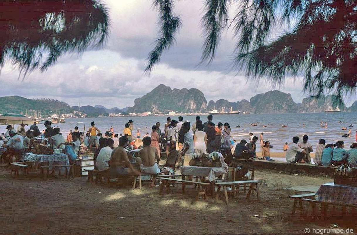 Kham pha thien duong bien Bai Chay dau thap nien 1990-Hinh-2