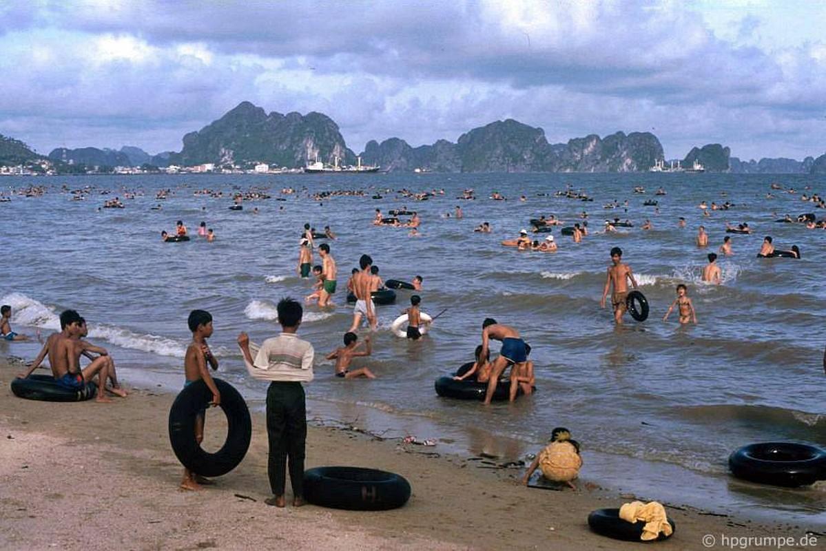 Kham pha thien duong bien Bai Chay dau thap nien 1990-Hinh-3