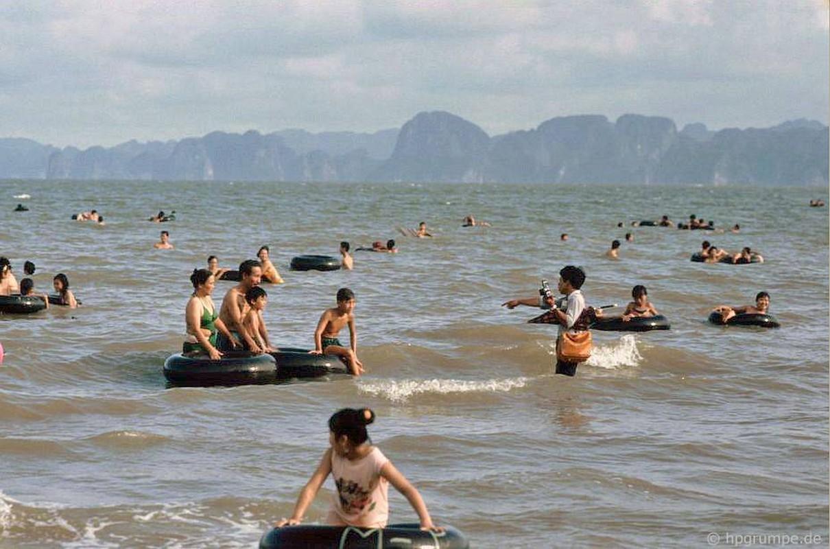 Kham pha thien duong bien Bai Chay dau thap nien 1990-Hinh-6