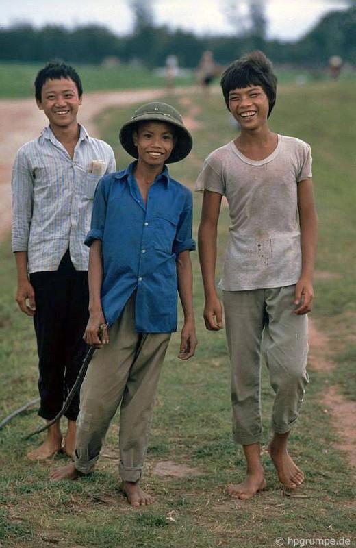 Hinh anh kho quen ve nong thon Ha Noi nam 1991-Hinh-4