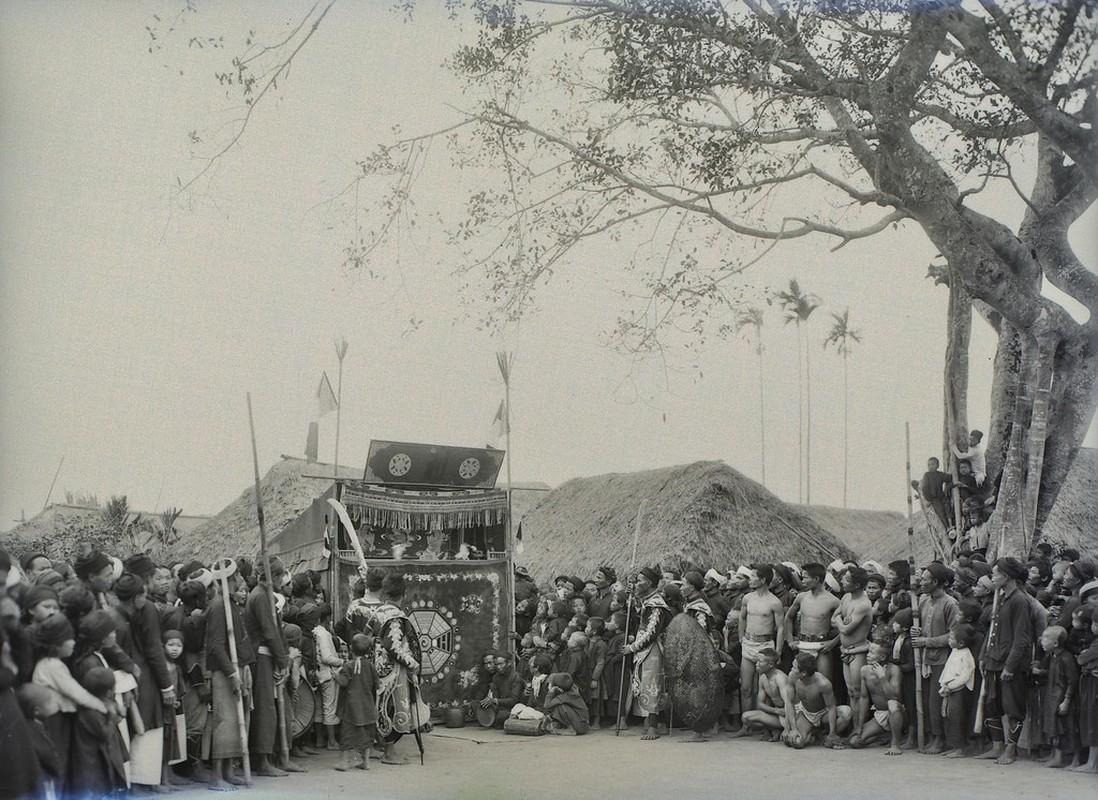 Hinh doc ve le hoi lang o Nam Dinh nam 1928