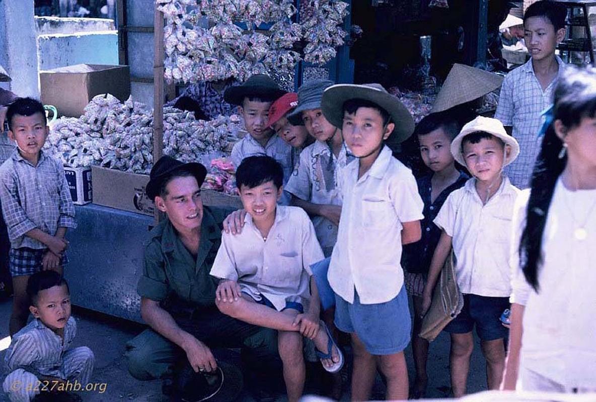 Hinh doc ve tre em Viet  Nam nam 1967 cua linh My-Hinh-2