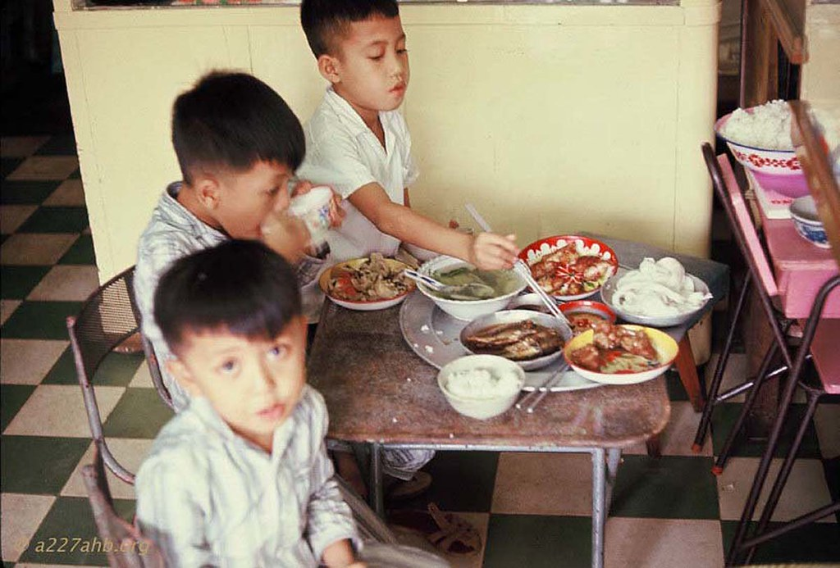 Hinh doc ve tre em Viet  Nam nam 1967 cua linh My-Hinh-6