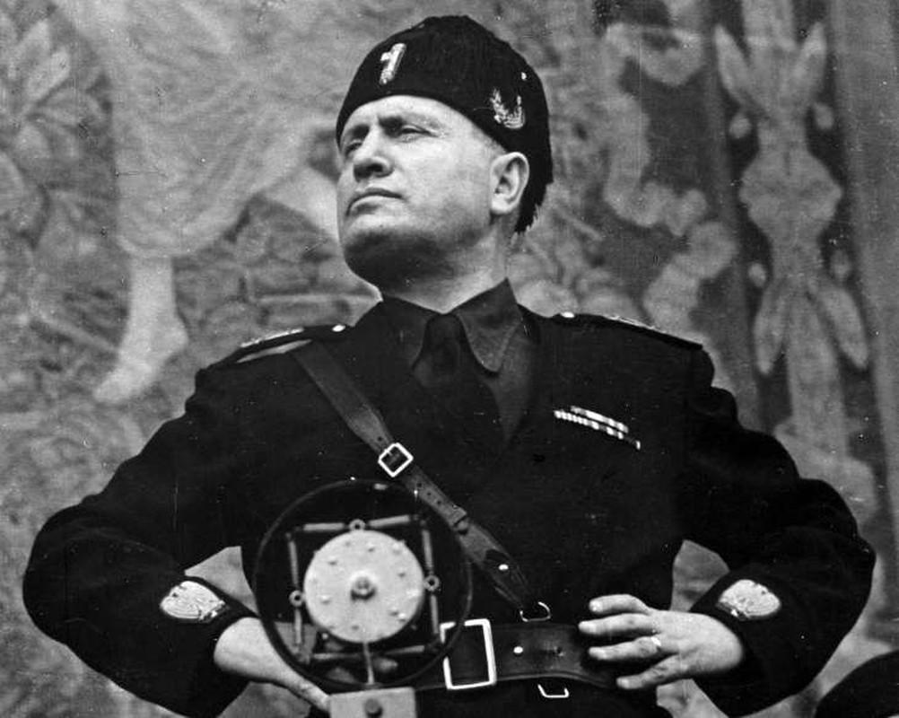 Hitler giai cuu nha doc tai Mussolini ngoan muc the nao?