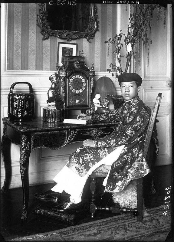 Hinh doc ve thoi tre o nuoc ngoai cua vua Bao Dai-Hinh-2