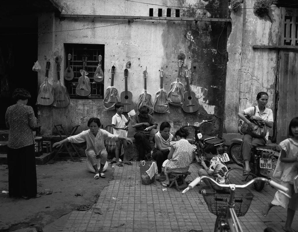 Anh kich doc ve xe may o Viet Nam nam 1992-Hinh-5