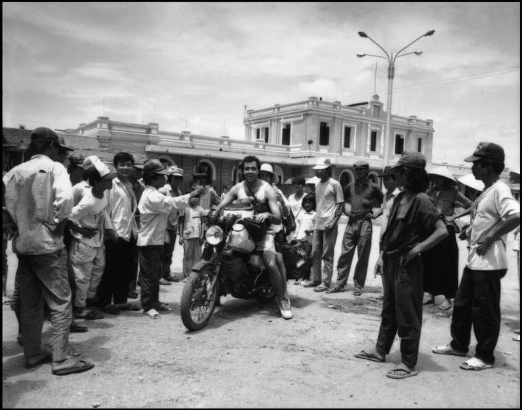 Anh kich doc ve xe may o Viet Nam nam 1992-Hinh-6