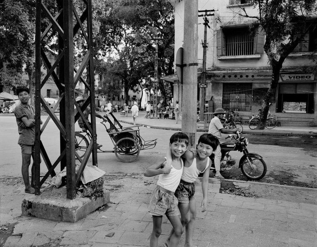 Anh kich doc ve xe may o Viet Nam nam 1992-Hinh-7
