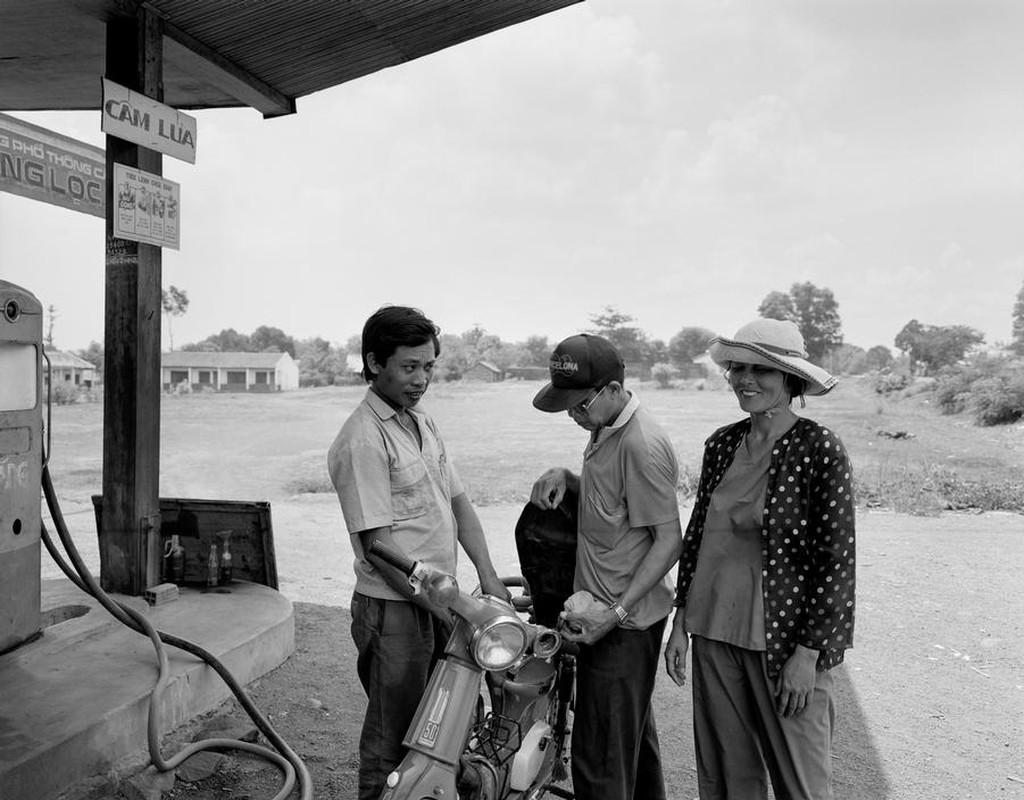 Anh kich doc ve xe may o Viet Nam nam 1992-Hinh-8
