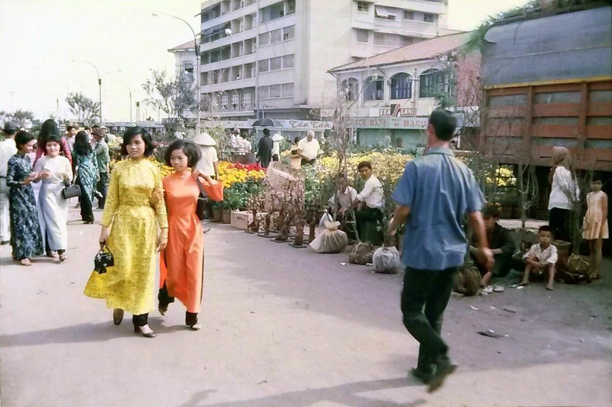 Cuc doc cho hoa Tet Sai Gon 1971 qua anh cua nguoi My-Hinh-3