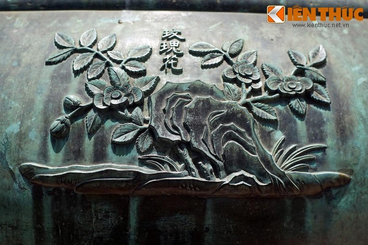 Kham pha hinh tuong cac loai hoa tren Cuu dinh nha Nguyen-Hinh-4