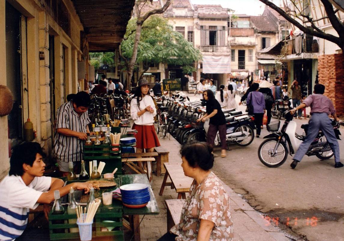Anh cuc doc chua mot lan tiet lo ve Ha Noi nam 1994-Hinh-4