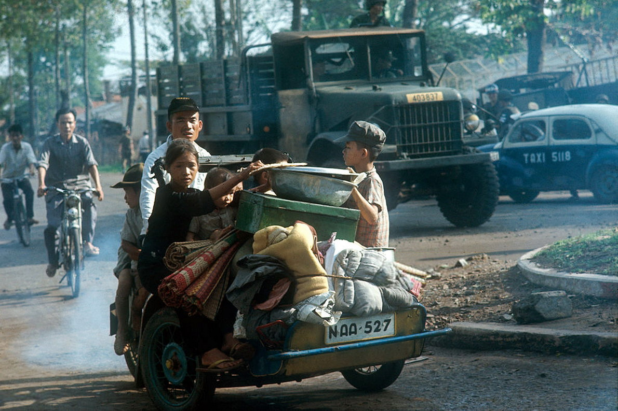 Soi phuong tien giao thong doc dao nhat Sai Gon truoc 1975-Hinh-5