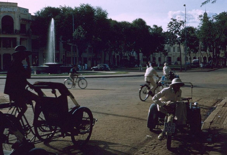 Soi phuong tien giao thong doc dao nhat Sai Gon truoc 1975-Hinh-8