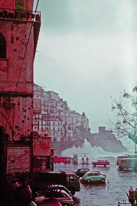 Me man voi cuoc song thanh binh o Italia thap nien 1960-Hinh-16