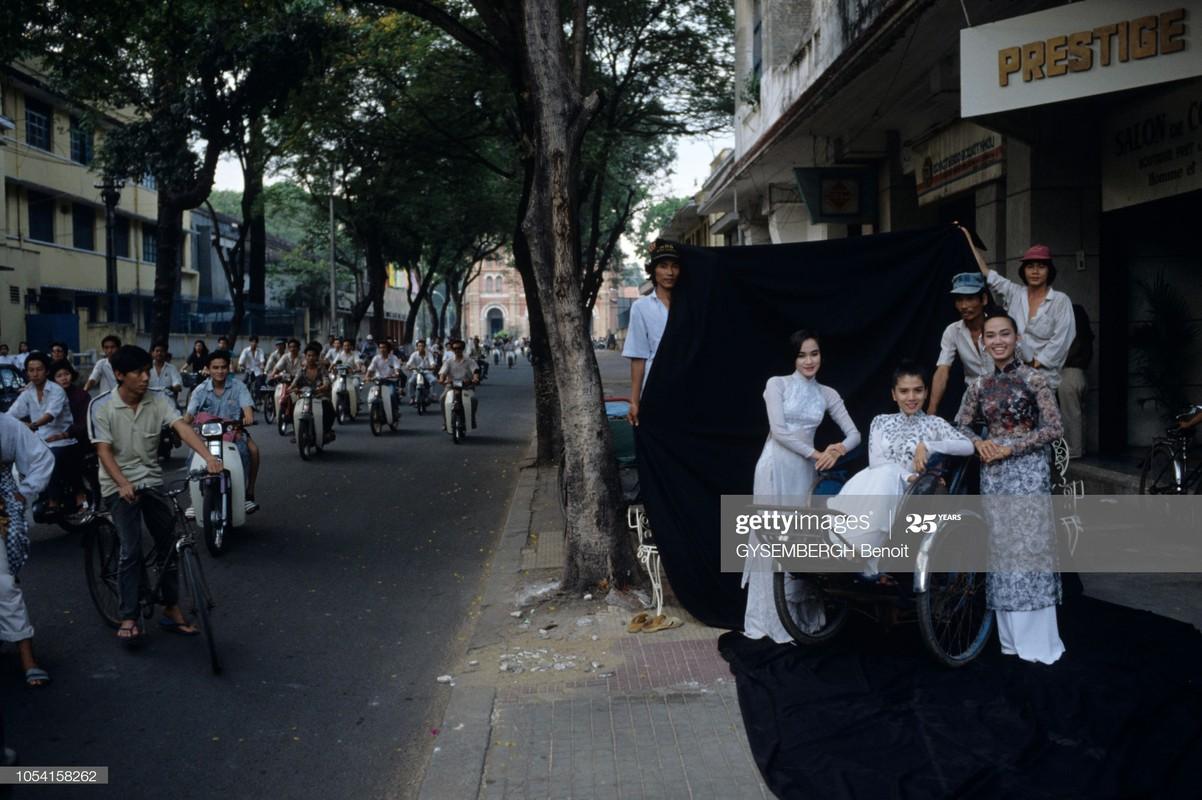 Viet Nam dau thap nien 1990 qua ong kinh Gysembergh Benoit