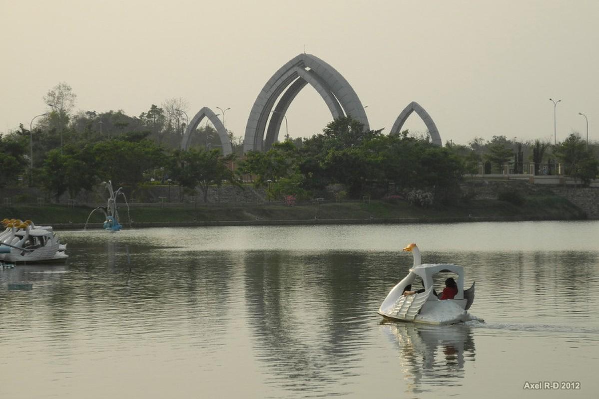 Vi sao Myanmar doi thu do nam 2005?-Hinh-7