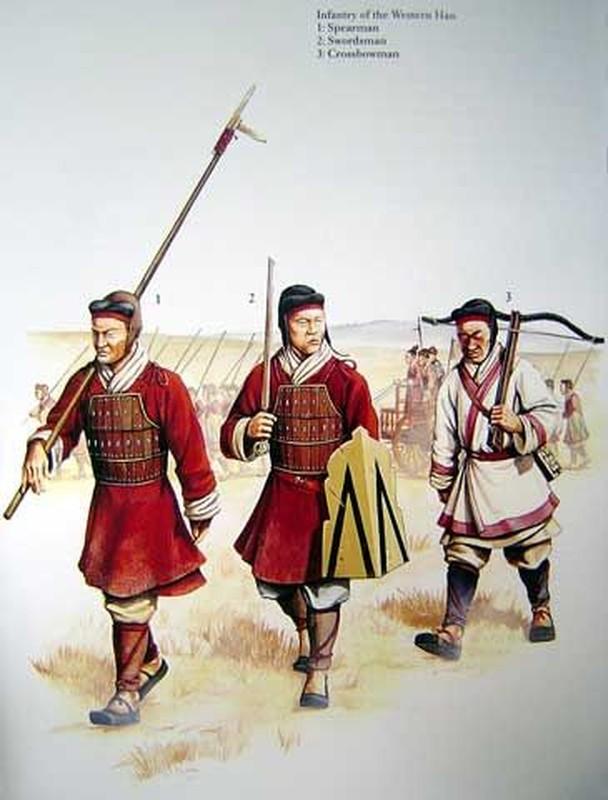 Kinh hoang tran quan Tan chon song nua trieu quan doi phuong-Hinh-4