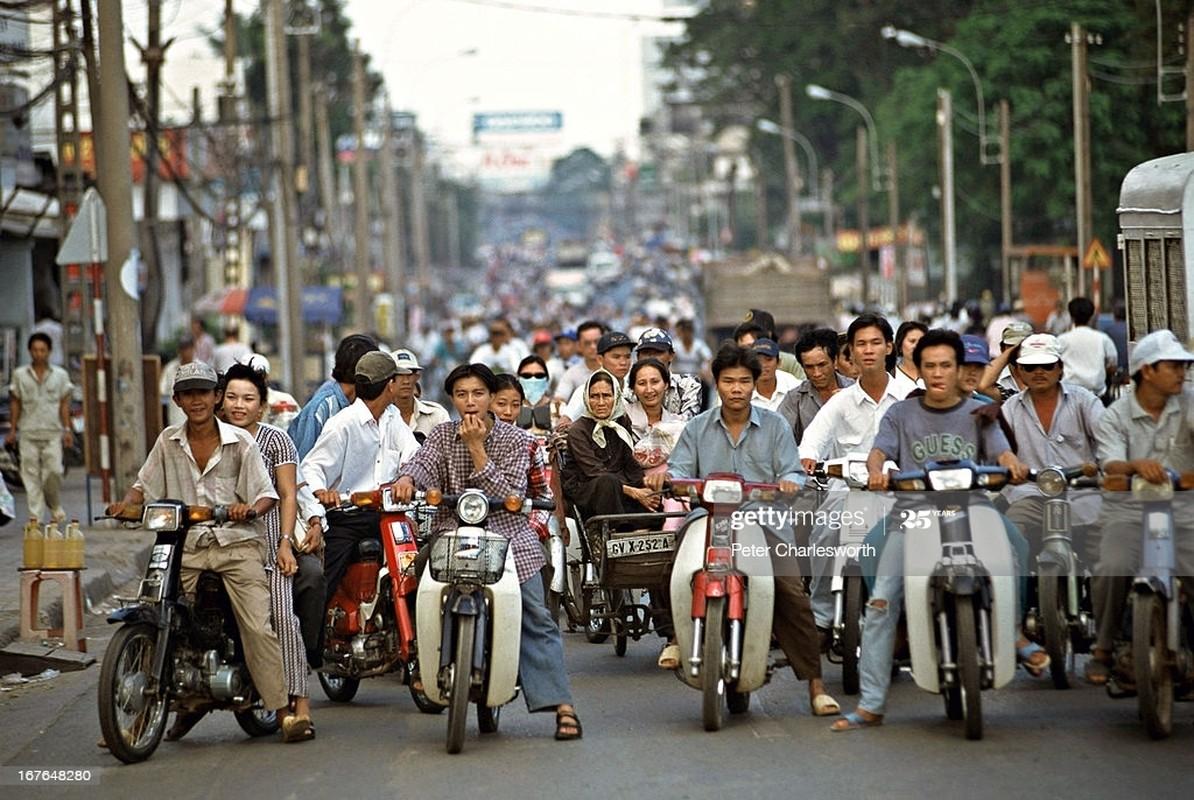 Loat anh day hoai niem ve Sai Gon nam 1995-Hinh-2