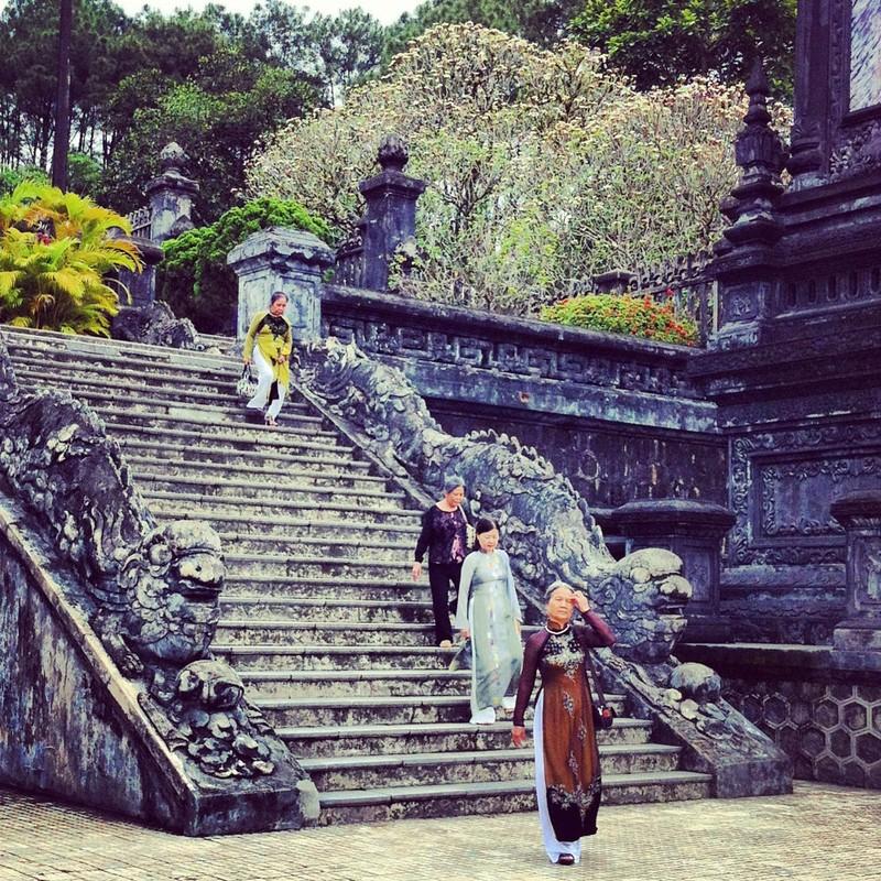 Lang vua Khai Dinh dep la thuong qua ong kinh khach Tay-Hinh-11