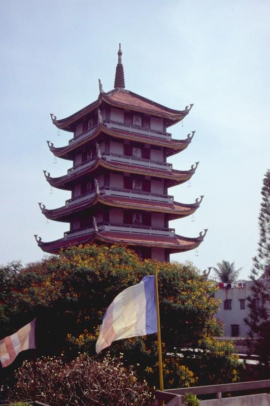 Anh de doi ve chua Vinh Nghiem o Sai Gon nam 1989-Hinh-3