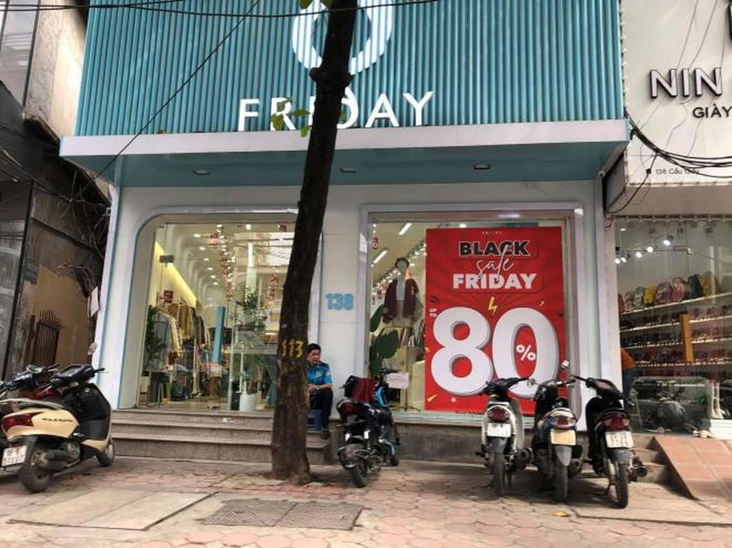 Black Friday: Cua hang thoi trang Ha Noi sieu giam gia, khach van tho o-Hinh-3