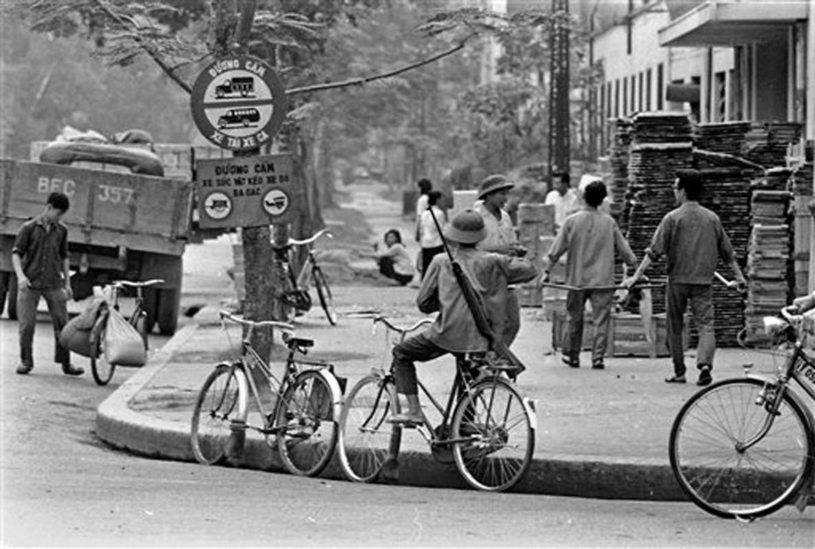 Cuoc song o Ha Noi nam 1973 qua anh cua Horst Faas (1)-Hinh-6