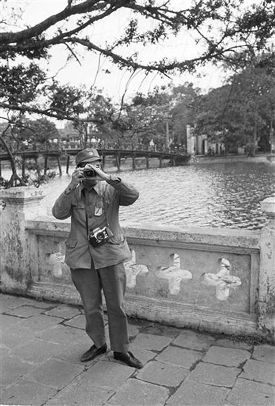 Nhung khoanh khac binh yen o ho Guom nam 1973-Hinh-3