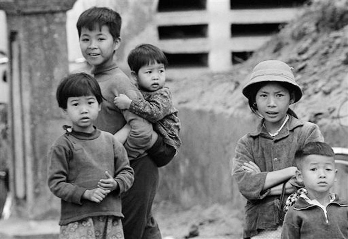 Nhung khoanh khac binh yen o ho Guom nam 1973-Hinh-7