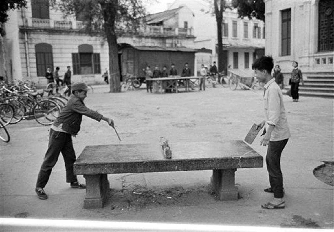 Nhung khoanh khac binh yen o ho Guom nam 1973-Hinh-8