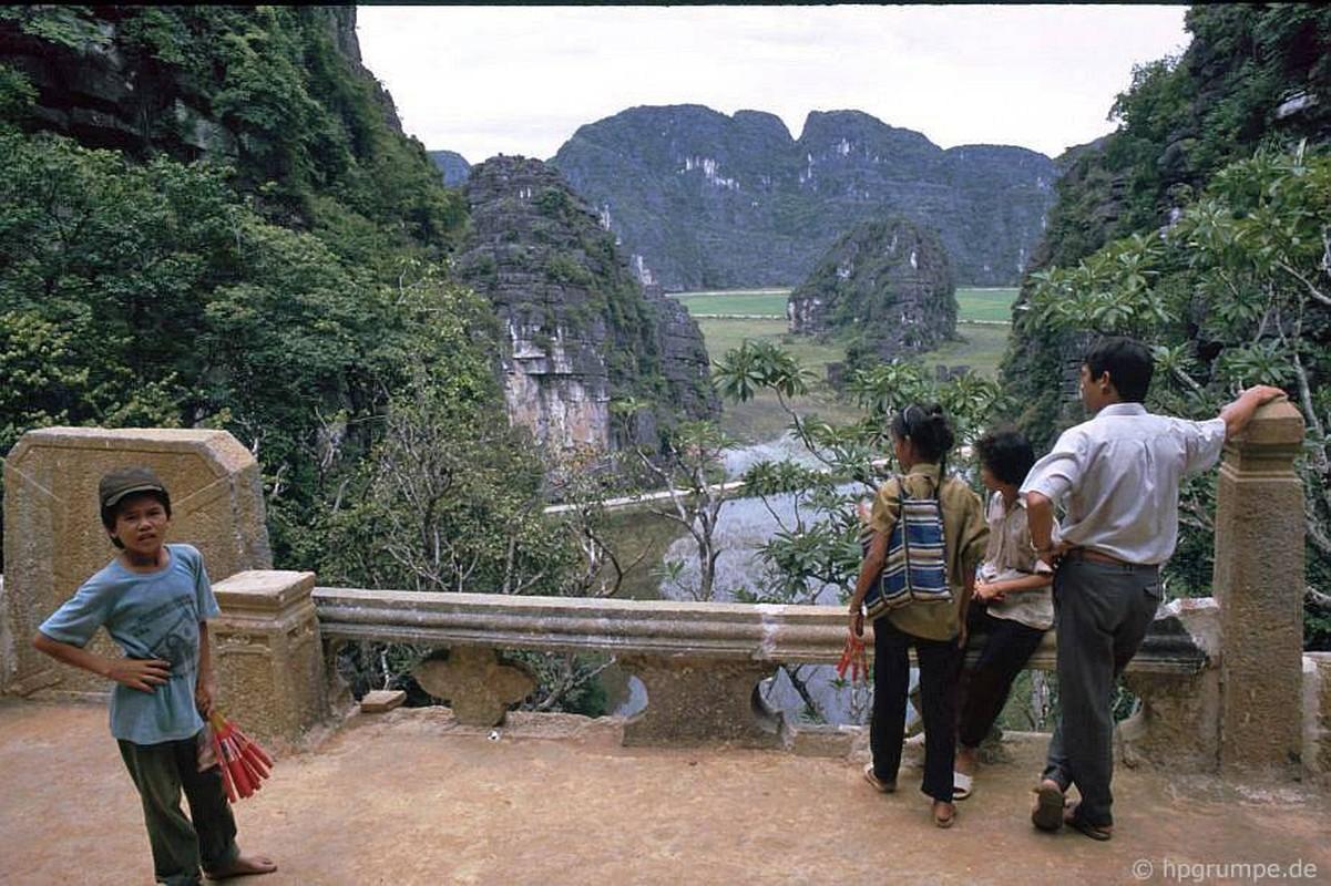 Canh doi thuong moc mac o Ninh Binh thoi du lich chua