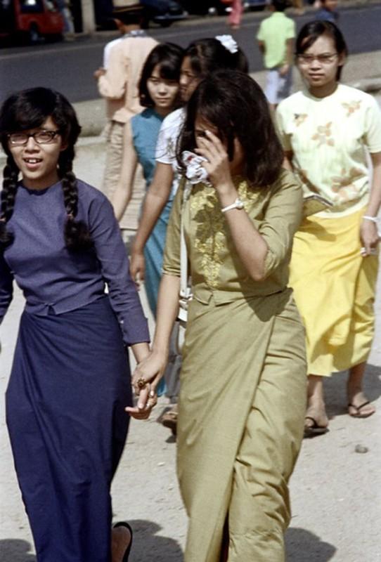 Ve dep hon hau cua thieu nu Myanmar thap nien 1970-Hinh-12