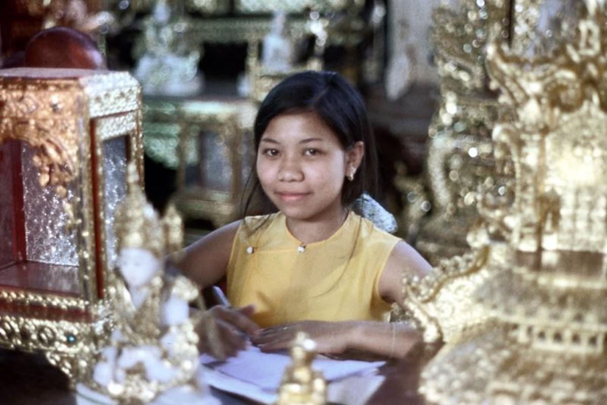 Ve dep hon hau cua thieu nu Myanmar thap nien 1970-Hinh-6