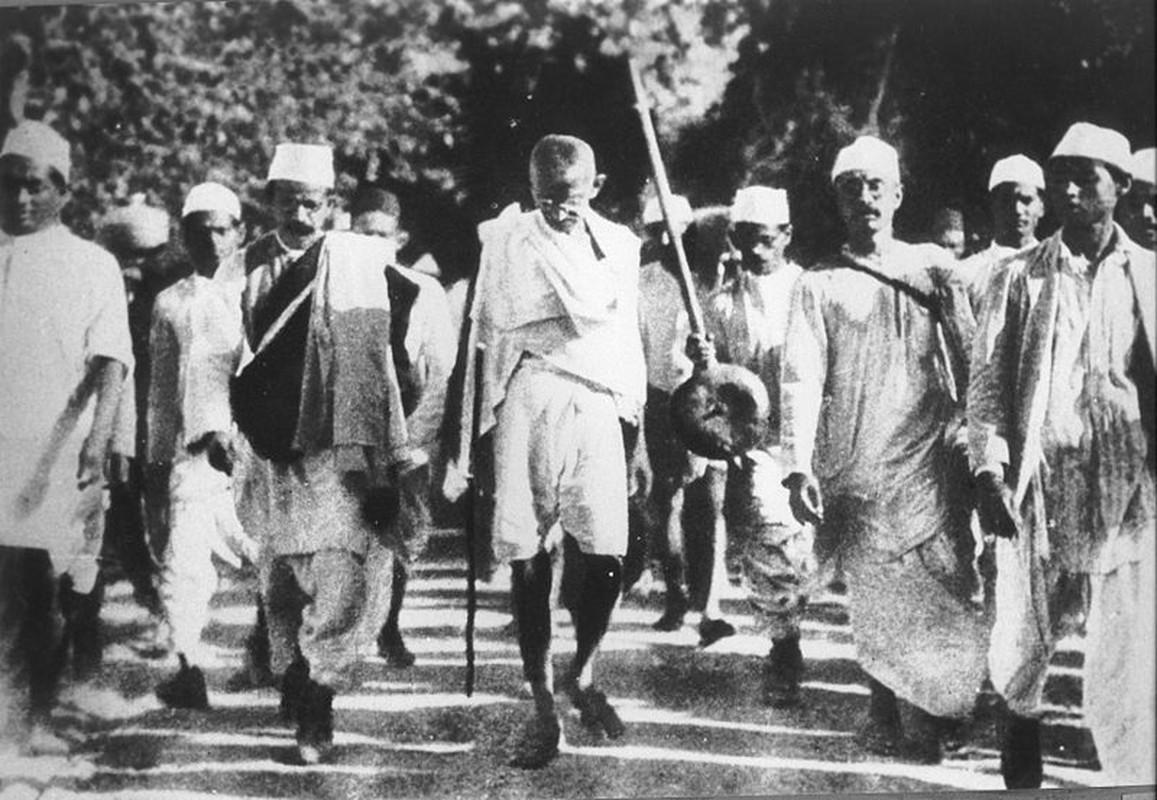 Cuoc Tuan hanh muoi lam rung chuyen toan An Do nam 1930